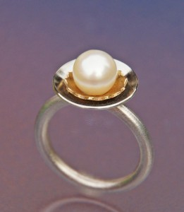 akoya pearl with silver and gold