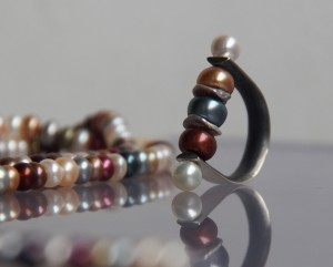 silver ring with colourful freshwater pearls